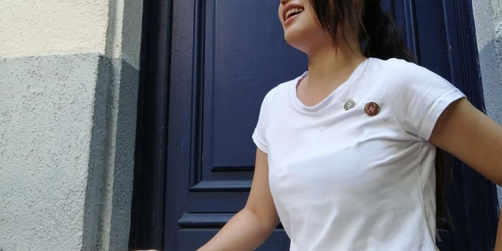 14 Fashionable Outfit Ideas To Try With A Basic White T-Shirt